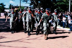 DESFILE CÍVICO ESTUDIANTIL EN CONMEMORACIÓN DE LA PAZ DEL CHACO (12 DE JUNIO 2.017)
